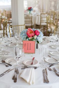 blue and pink centerpieces