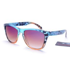 I wish someone would buy me these!!!!  Discount Oakley Frogskins Square Blue Leopard AUS Sale