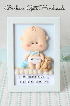 Inspiruje Basia - Inspirations from BasiaBaby Decorative Frame New baby Personalised Felt box by TiTicsDoll World: modele, îmbrăcăminte, miniatură Baby Crafts, Felt Crafts, Diy And Crafts, Crafts For Kids, Baby Frame, Felt Pictures, Cute Frames, Felt Wreath, Felt Baby