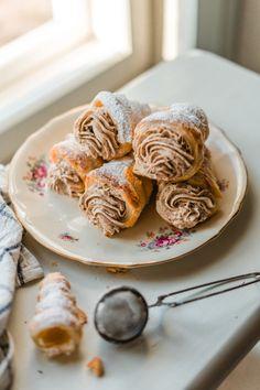 Torttutuutit - Joulun hittitorttu   Annin Uunissa Christmas Sweets, Christmas Baking, Brunch, Something Sweet, Eat Cake, Food Inspiration, Sweet Recipes, Sweet Tooth, Food And Drink