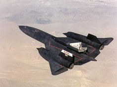 A NASA successfully completed its first flight October 1997 as part of the NASA/Rocketdyne/Lockheed Martin Linear Aerospike Experiment (LASRE) at NASA's Dryden Flight Research Center, Edwards, California. Military Jets, Military Aircraft, Military Box, Stealth Aircraft, Stealth Bomber, Edwards Air Force Base, Jet Fly, Airplane Pilot, Airplane Fighter