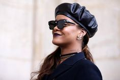 Rihanna rocks Saint Laurent boots 'phresh out da runway': phresh out da runway I ❤ @ysl A put up shared by means of… #Fashion_News