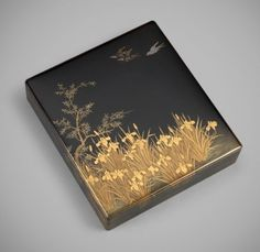 Lacquer suzuribako (writing box) with swallows in flight above irises Unsigned - Melina Japanese Screen, Japanese Art, Decoration, Art Decor, Acrylic Nail Set, Lacquer Paint, Art Deco Fashion, Asian Art, Decorative Boxes