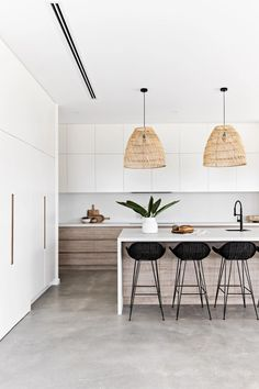 Kitchen Room Design, Home Decor Kitchen, Kitchen Interior, New Kitchen, Home Kitchens, Modern Kitchen Renovation, Rustic Kitchen Decor, Timber Kitchen, Modern Kitchen Island