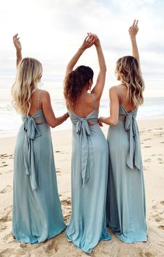 Blue bridesmaid dresses with from Show Me Your Mumu. Boho beach bridesmaid dresses with tie back. Mumu Bridesmaid Dresses, Beach Wedding Bridesmaids, Blue Bridesmaids, Blue Beach Wedding, Bridesmaid Dresses Sage Green, Boho Beach Wedding Dress, Backless Bridesmaid Dress, Different Bridesmaid Dresses, Blue Wedding Dresses