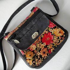 Annie Valencroix sur Instagram: Premier Polka ! Suédine noire, liege fleuri Disponible en boutique www.valencroix.fr #sac #sacbandouliere #liege #cadeau #mode #sacotin…