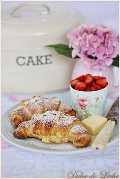 Dulce de Leche: Domáce mandľové croissanty Breakfast Tea, Tea Time, French Toast, Recipies, Ale, Food, Dulce De Leche, Sweets, Recipes