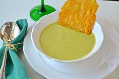 Crema de calabacín con galletas de parmesano Food Shows, Cornbread, Cheese, Cooking, Ethnic Recipes, Cookies, Soups And Stews, Parmesan, Entrees