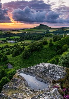 Sunset over Roseberry Topping from Cockshaw Hill North Yorkshire Moors England. Yorkshire England, North Yorkshire, Yorkshire Dales, England Uk, Photography Beach, Landscape Photography, Nature Photography, Places To Travel, Places To See