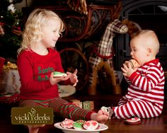 Christmas card photo idea Love this, eating Santas cookies