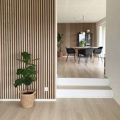 Wood Slat Wall, Wooden Wall Panels, Hippie Home Decor, Custom Home Designs, Home Fashion, Modern Interior Design, Home Living Room, Interior Inspiration, House Design