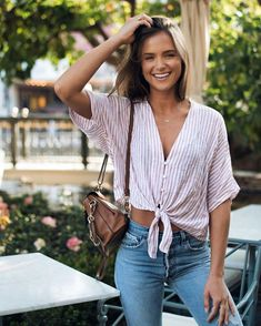 helen owen all smiles in the thea florence stripe Mode Outfits, Casual Outfits, Fashion Outfits, Womens Fashion, Casual Shirt, Casual Dresses, Spring Summer Fashion, Spring Outfits, Summer Outfit