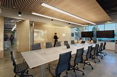 pivot / conference / glass markerboard / writeable / indirect lighting / meeting