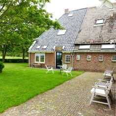 Wat een heerlijke plek voor een B&B! In de zomer hier ontbijten is gewoon perfect!  #belm15 ##lytshuiszilver #benb #b&b #wadden #lauwersmeer #lauwersmore #paesens #moddergat #friesland #travel #travelblogger