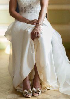 {Real Wedding} O verdadeiro conto de fadas de Martina & Richard – Once Upon a Time… a Wedding ALGARVE WEDDING PLANNERS, CASAMENTO, CASAMENTO REAL, DESTINATION WEDDING, FOTÓGRAFOS, NOIVOS ESTRANGEIROS, PASSIONATE, PASSIONATE PHOTOGRAPHY, REAL WEDDING  wedding se marier au portugal algarve soleil se marier à l'algarve algarve weddings venue look acessories acessoires acessórios sapatos escarpins shoes Wedding Story, Algarve, One Shoulder Wedding Dress, Marie, Look, Portugal, Wedding Dresses, Fashion, Dating Anniversary