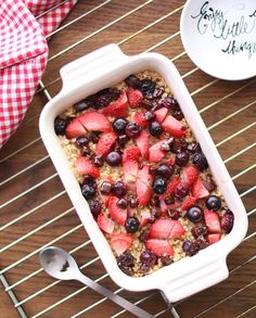 Havrekake til frokost A Food, Cherry, Strawberry, Lunch, Fruit, Breakfast, Morning Coffee, Eat Lunch, Strawberry Fruit