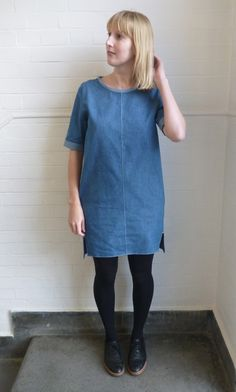 inari tee dress denim front The Inari Tee dress by Named is one of my favorite patterns. Dress Patterns, Sewing Patterns, Sewing Ideas, Sewing Projects, Sewing Diy, Named Clothing, Denim Fashion, Fashion Outfits, Work Wardrobe