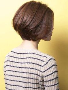 Bob Hairstyles : 「エ レ ガ ン ス × エ フ ォ ー ト レ ス」 シ ョ ー ト ヘ ア : ミ ズ 30 代 ・ 40 代 Short Bob Haircuts, Short Hairstyles For Women, Cool Hairstyles, Girl Short Hair, Short Hair Cuts, Medium Hair Styles, Long Hair Styles, Shot Hair Styles, Cut My Hair