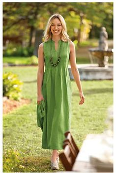 I LOVE these clothes. Looks so comfortable and flowy. Love the bright colors!! Thanks Oprah for introducing me