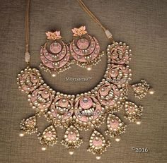 Looook at that coloooorrrrr Breath-taking is the word! Our hearts are gonna hurt when we pack this to deliver ! We dont wanna give this away Bride-to-bes available now in the Mortantra bridal collection this season is this prettiest pink Meenakari Set Indian Jewelry Earrings, Indian Jewelry Sets, Indian Wedding Jewelry, Bridal Jewelry, Indian Accessories, Jewelery, Silver Jewellery, Damas Jewellery, Engagement Jewellery
