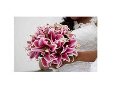 Bouquet de noiva de lírios rosa