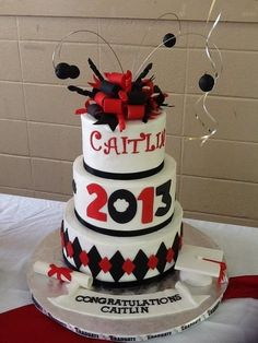 Graduation Cake Idea for my daughter...just need to change the year :)