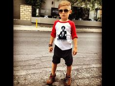 4 Year Old Trendsetter: Alonso Mateo Toddler Boy Fashion, Little Boy Fashion, Fashion Kids, Look Fashion, Toddler Boys, Baby Boy Outfits, Kids Outfits, Cool Outfits, Little Man Style