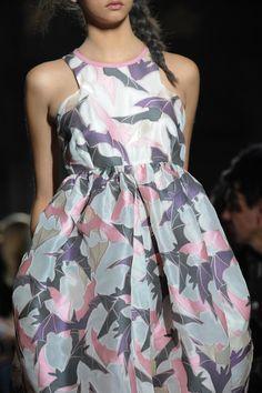 +++ Giles + Spring / Summer 2014 + LFW + RTW +++  #spooky #embroideries #Darkness #BeadedMotifs #lips #bats #Halloween #TimBurton #Giles #fashion #moda #verano2014 #fashionweek #London #lfw #ss2014 #spring2014 #summer2014 #primavera2014 #runway #SpringSummer2014 @ISAZAalejandro