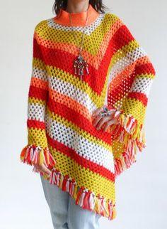 Vintage sixties crochet poncho @ www.secondhandnew.nl