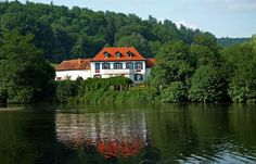 Noch ist Sommer  ... und auch die Temperaturen steigen in den nächsten Tagen wieder. Einen Ausflug ans Wasser, z. B. an den Niederwürzbacher Weiher, freut da nicht nur die Libellen. :-)