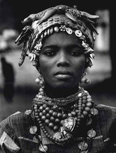 voodoo woman - Ivory Coast, 1970Mario De Biasi