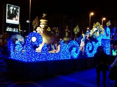 Christmas Parade Floats, Frozen Christmas, Mardi Gras, 4th Of July, Snowflakes, Royalty, Christmas Decorations, Concert, Ideas