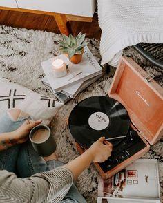 Őszi design toplista a slow living jegyében My New Room, My Room, Boho Home, Music Aesthetic, Record Players, Slow Living, Retro Home Decor, Room Inspiration, Bedroom Decor