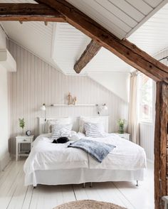 Home Decorating Ideas Kitchen and room Designs Attic Bedroom Decor, Cozy Bedroom, Dream Bedroom, Bedroom Plants, Bedroom Desk, Home Interior, Interior Design, Ideas Hogar, Contemporary Kitchen Design