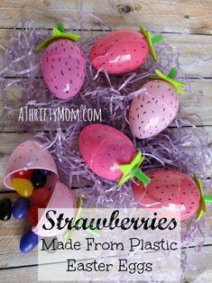 strawberries ~ Made from plastic easter eggs. #strawberries, #plasticeggs, #eggcrafts, #straws, #foam, #sharpie, #marker, #springcrafts, #spring, #Easter, Eggs