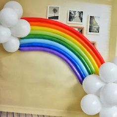 Regenbogen Luftballons // My Little Pony Party decor idea! Trolls Birthday Party, Troll Party, Rainbow Birthday Party, Unicorn Birthday Parties, Unicorn Party, Birthday Party Decorations, Balloon Birthday, Balloon Party, Baby Birthday