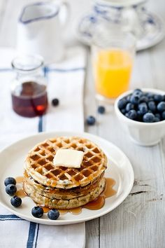 how about Gluten Free Blueberry Waffles for breakfast? Blueberry Waffles, Pancakes And Waffles, Making Waffles, Yummy Waffles, Blueberry Breakfast, Breakfast Desayunos, Perfect Breakfast, Gourmet Breakfast, Breakfast Healthy