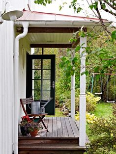 Pergola Ideas For Patio Product Cottage Porch, Cottage Style, Farmhouse Style, Small Porches, Building A Porch, House With Porch, Porch Decorating, Farm Life, Beautiful Homes