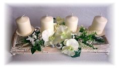 Adventní svícen (velký)-rovný bílá patina,ratan a bílá orchidea-vánoční dekorace