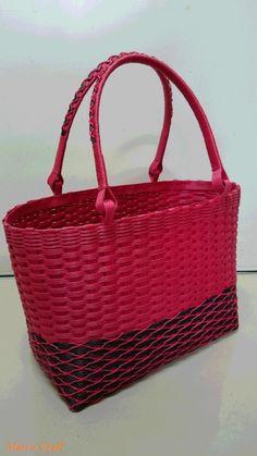 クラフトバンドで作成した掛け編みのバッグ(紙製)