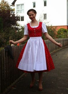sewing galaxy: Search results for Dirndl Diy Clothing, Sewing Clothes, Clothing Patterns, Costura Fashion, Dirndl Dress, Folk Costume, Fashion Sewing, Diy Dress, Couture