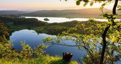 Vue sur le lac du Grand Maclu et Ie lac d'Ilay