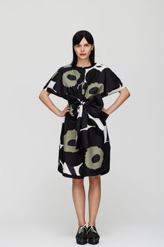 Marimekko Unikko dress with a big bow:)