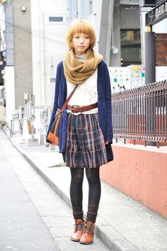Harajuku street fashion; I kinda look like this when I'm waiting for the train =^ x ^=