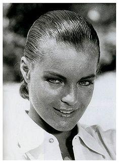 Romy in den Sechzigern Romy Schneider, Jeanne Moreau, Vintage Hollywood, Classic Hollywood, Mädchen In Uniform, Cinema, Music Album Covers, Evanescence, Sleek Hairstyles
