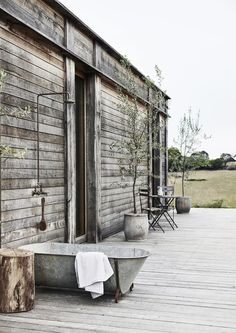 Rustic luxury in the Victorian countryside (Desire To Inspire)
