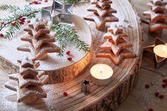 PERNÍČKOVÝ LES, KŘEHKÝ JEŠTĚ DNES Gingerbread Cookies, Cheesecake, Table Decorations, Desserts, Food, Gingerbread Cupcakes, Tailgate Desserts, Deserts, Cheesecakes