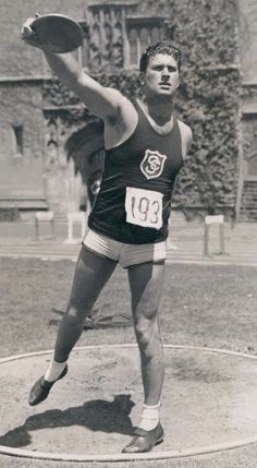 Discus Throw, 1936 Olympics, Athletic Events, Olympic Sports, Dynamic Poses, Body Poses, Time Capsule, Track And Field, Olympians