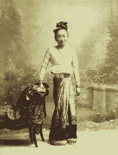 A Shan Princess of the Chiang Rai Kengtung, circa 1900