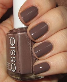 ♥ In Love With Life ♥: essie - Don't Sweater It